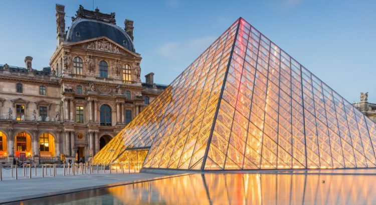Лувъра във Франция е сред най-посещаваните дестинации