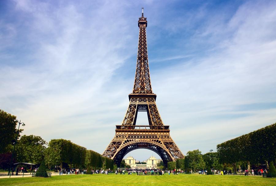 Айфеловата кула- едно от най-посещаваните места